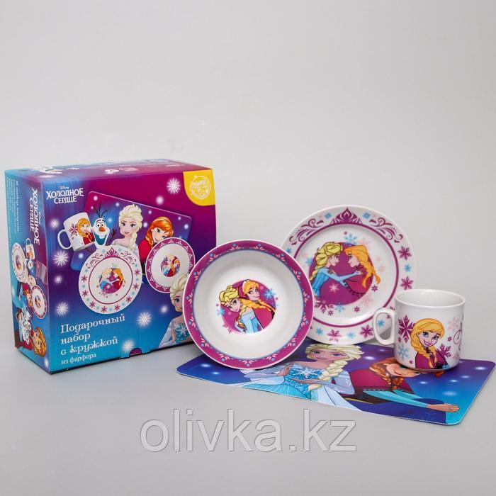 Набор посуды «Анна и Эльза», 4 предмета: тарелка Ø 16,5 см, миска Ø 14 см, кружка 200 мл, коврик в подарочной