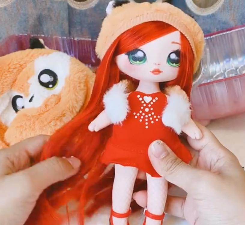NA! Na! Na! Surprise - мягкие куклы с животным-помпоном-сумочкой Roxie Foxy (лиса) от MGA - фото 3