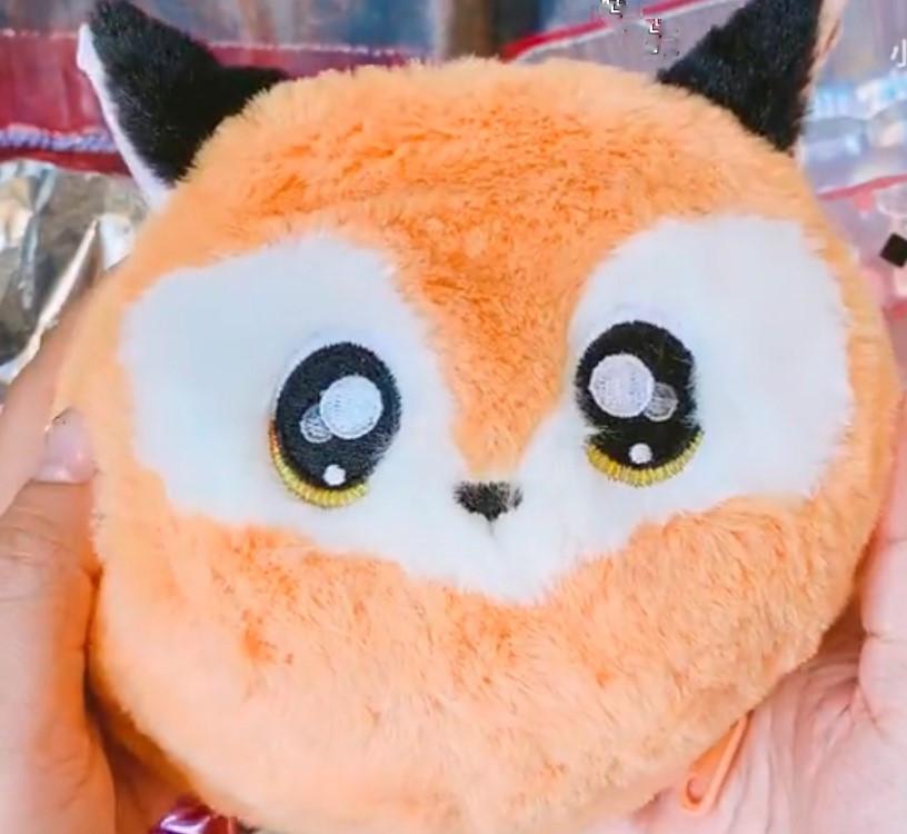 NA! Na! Na! Surprise - мягкие куклы с животным-помпоном-сумочкой Roxie Foxy (лиса) от MGA - фото 8