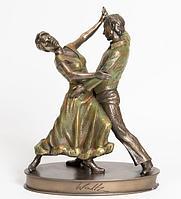 Статуэтки и скульптуры