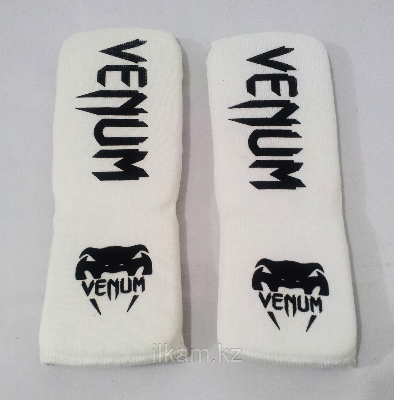 Щитки на ноги для каратэ Venum