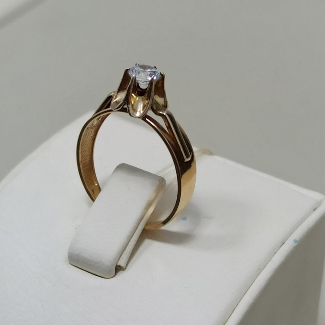 Золотое кольцо с фианитом / 17 размер