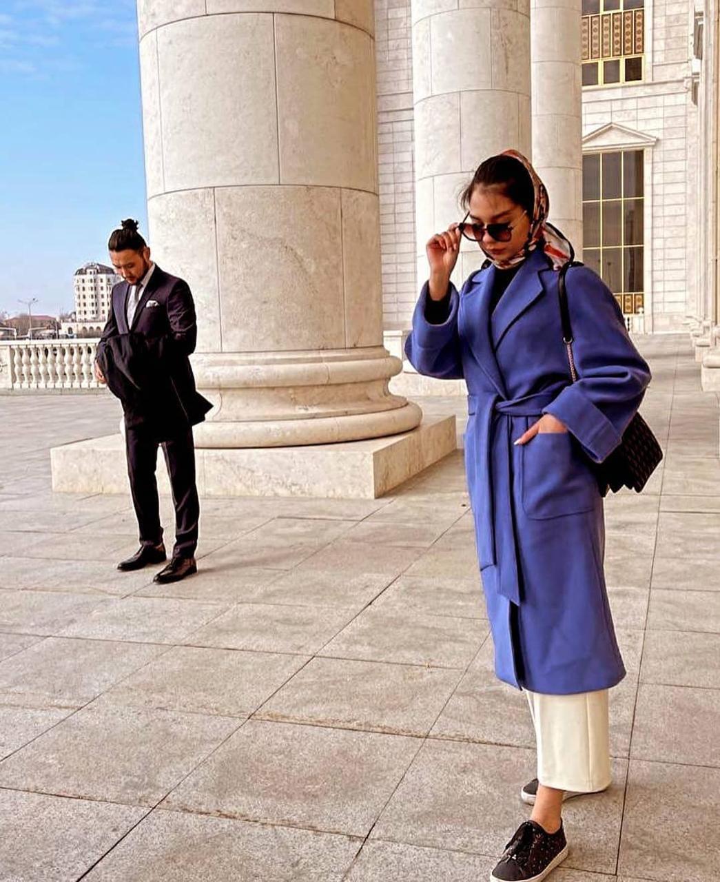 Женское пальто-халат со спущенными рукавами