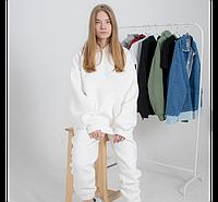 Женский спортивный костюм белый