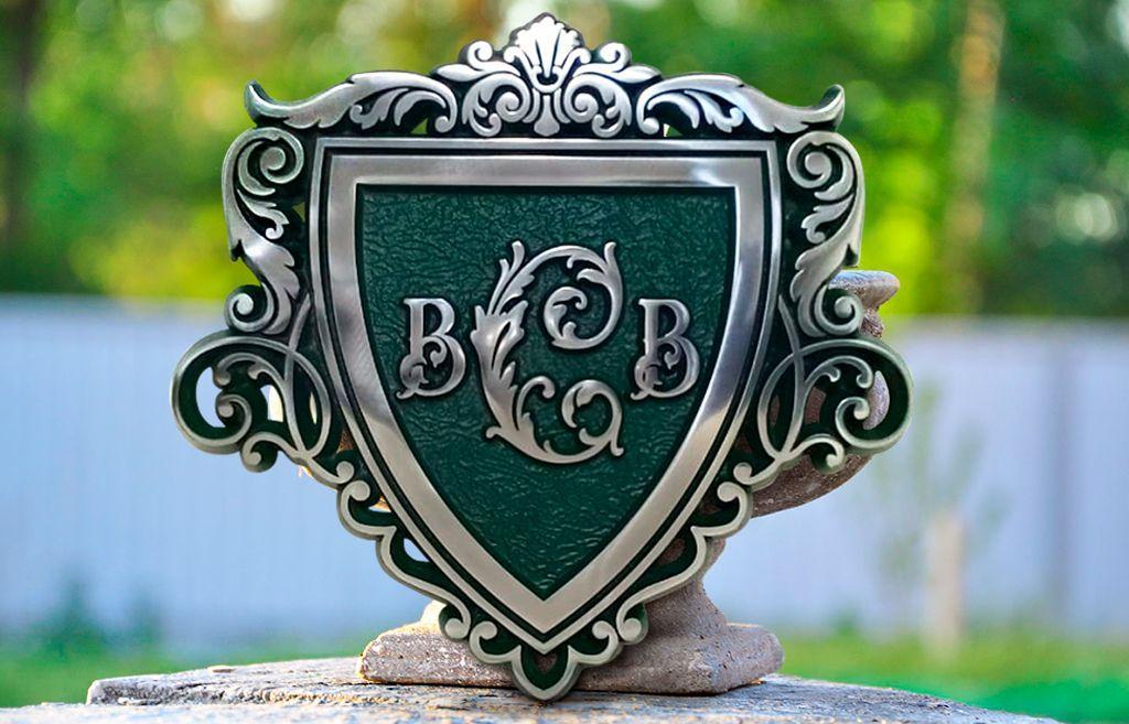 Фамильный герб, худ литьё, алюминий 552x600 мм под заказ