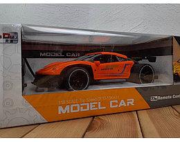Машина на пульте Model Car