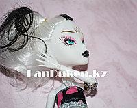 """Кукла для девочек ФРЕНКИ ШТЕЙН """"Монстер хай"""" 26 см в черном платье в розовый сердечек"""