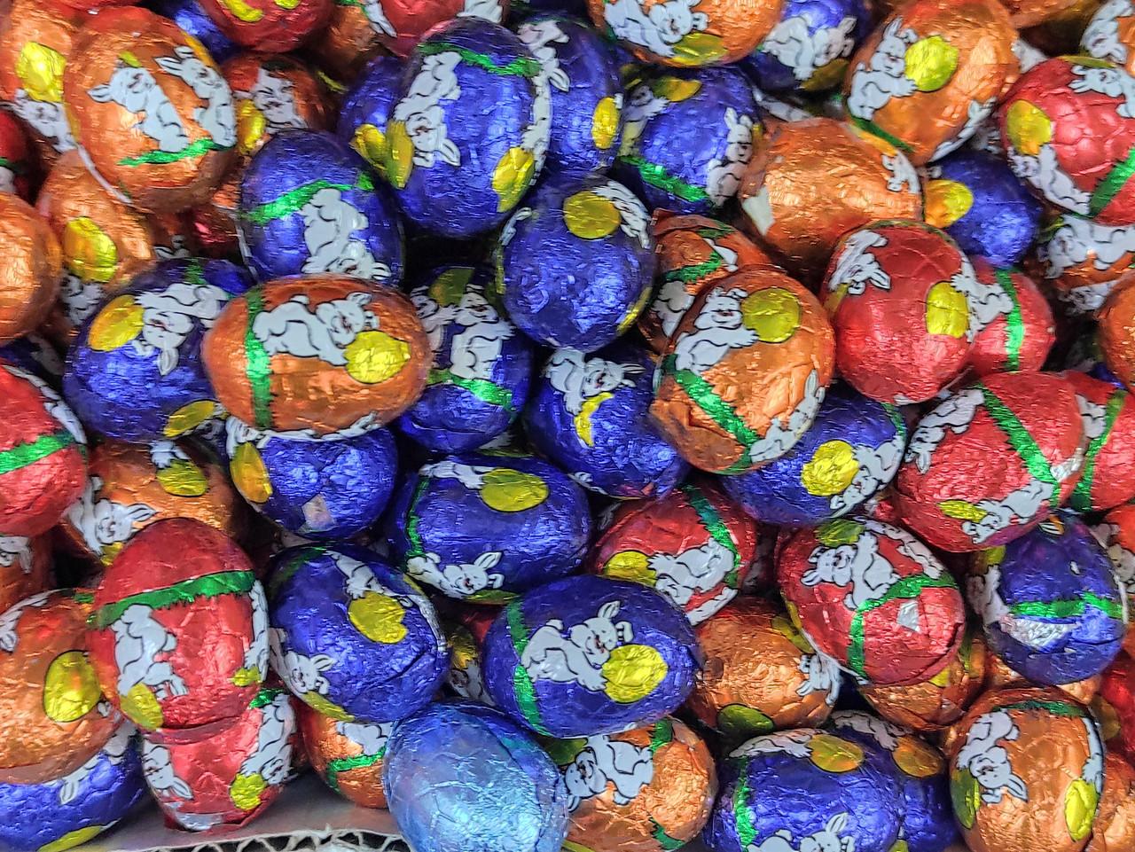 Яйцо шоколадное разноцветные (зайчики) 1кг