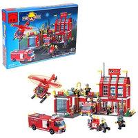 Конструктор 'Пожарная станция', 980 деталей и 8 пожарных