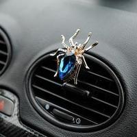 Украшение в дефлектор автомобиля 'Паук'