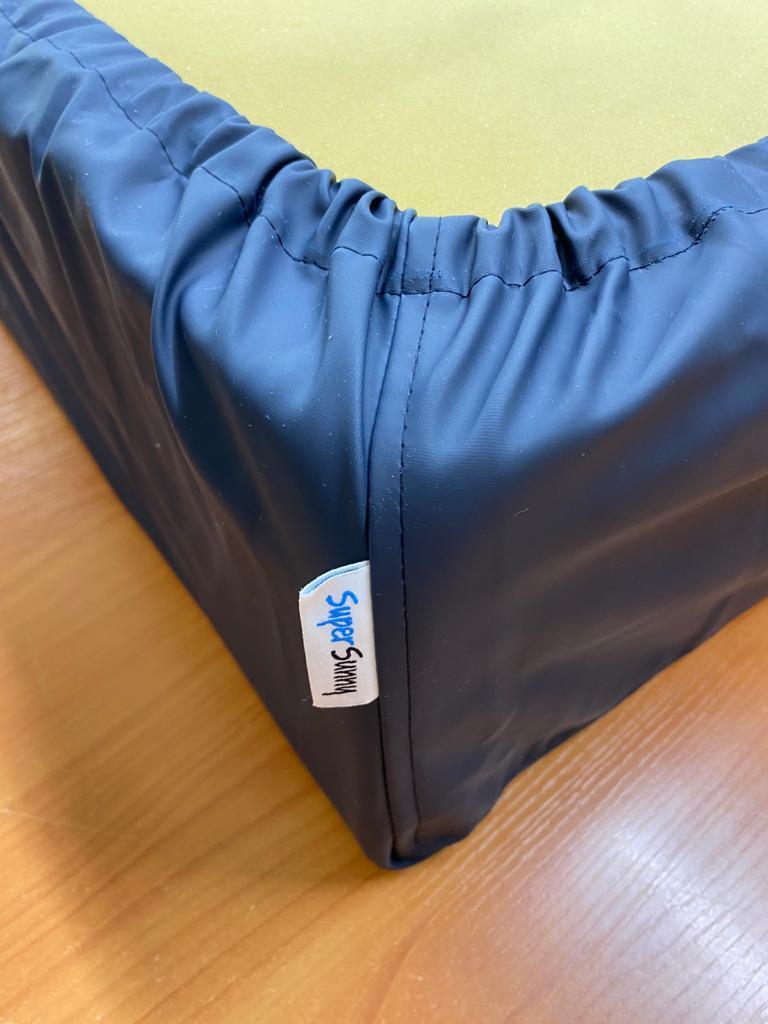 Непромокаемые натяжные наматрасники (чехлы) с бортами из медицинской ткани размер 80х200