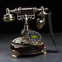 Ретро-телефон 'Круг', выложенный лаврами, полистоун, 23х26 см