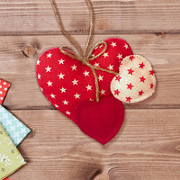 Набор для создания подвесной игрушки из ткани 'Три сердца'