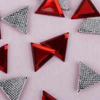 Стразы термоклеевые 'Треугольник', 10 x 10 мм, 50 шт, цвет красный