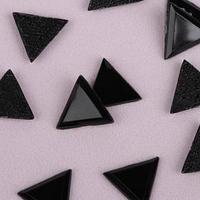 Стразы термоклеевые 'Треугольник', 10 x 10 мм, 50 шт, цвет чёрный