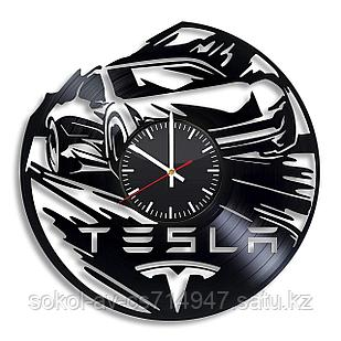 Настенные часы из пластинки авто Tesla Тесла, подарок владельцу, фанатам, любителям, 0061