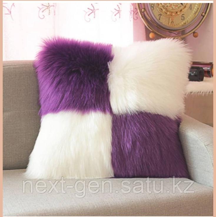 Подушка декоративная плюшевая