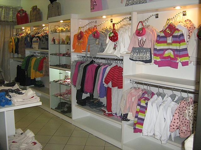 Оборудование для магазинов и бутиков детской одежды