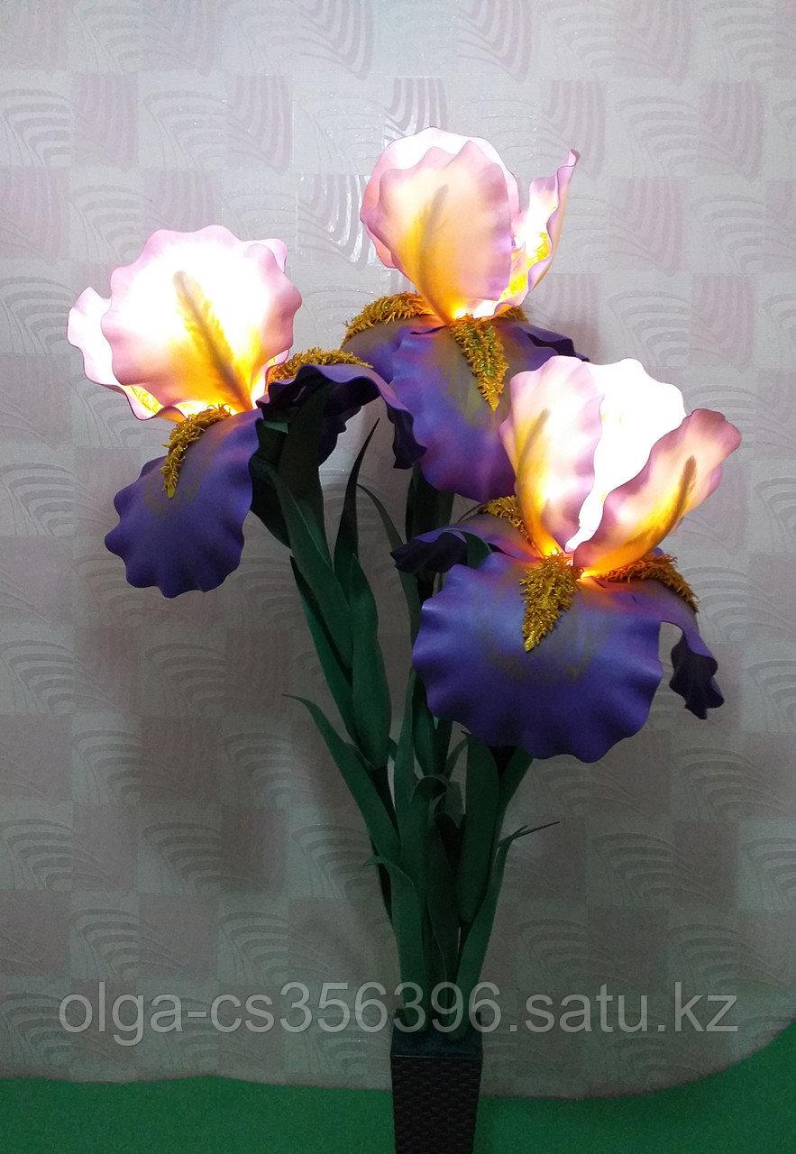 Большие цветы для интерьера. Светильник - ночник Ирис.  Creativ 71