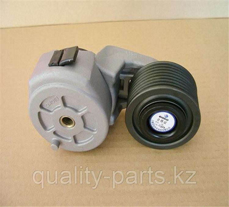 Натяжной ролик ремня генератора на экскаватор Hyundai R140W.