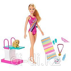 """Mattel Barbie Игровой набор """"Тренировка в бассейне"""" GHK23"""