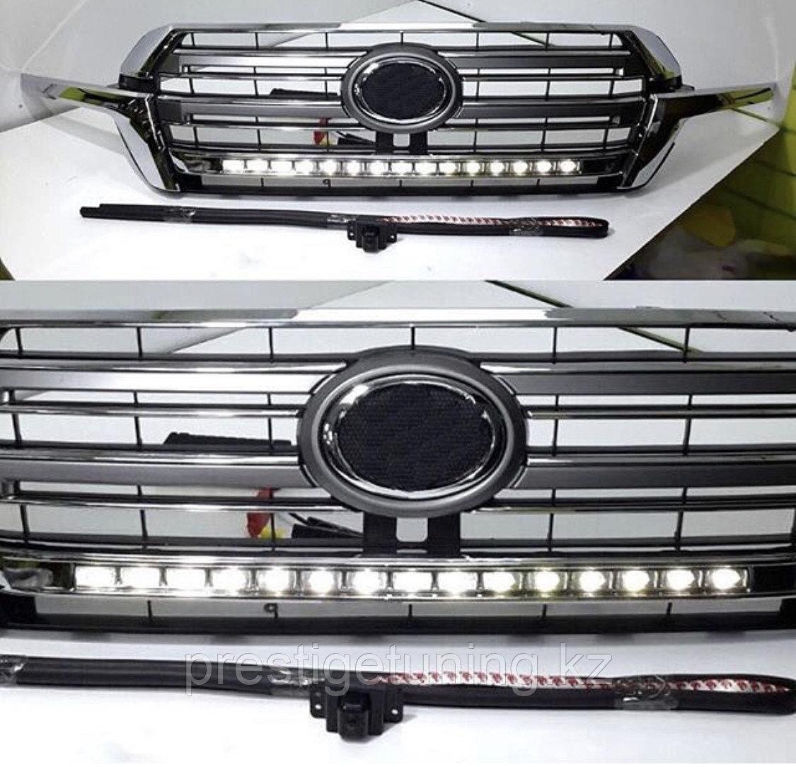 Решетка радиатора с подсветкой на Land Cruiser 200 2016-21