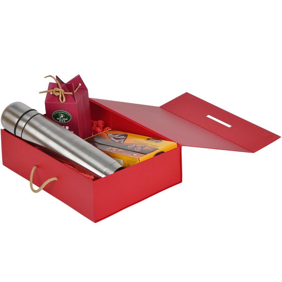 Коробка складная подарочная с ручкой, красный, 37x25 x10cm, кашированный картон, тисн, шелкогр. - фото 4