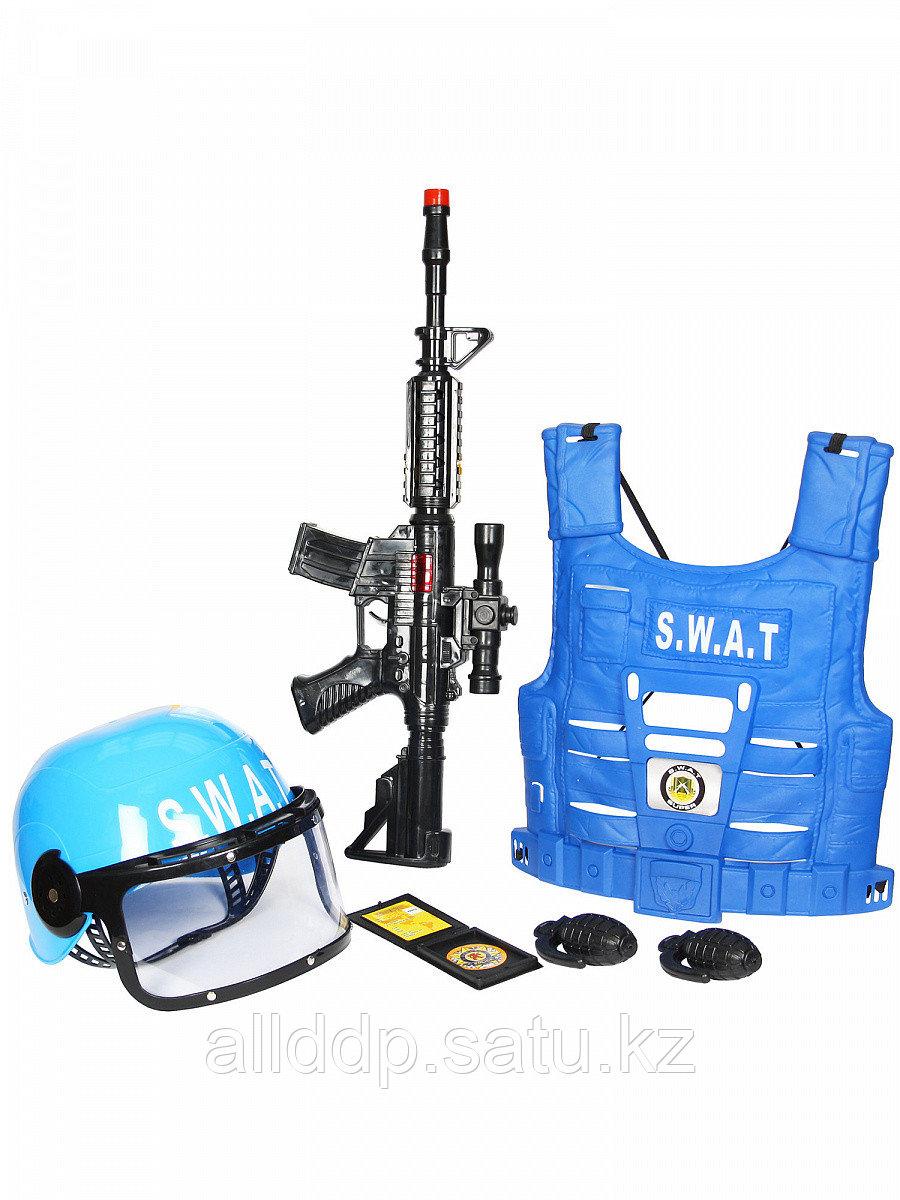 Набор полицейского с автоматом, бронежилетом, каской с защитой глаз и акссесуарами SW-204