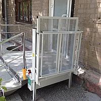Подъемник для инвалидов вертикальный (с ограждением)), фото 1