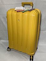 """Средний пластиковый дорожный чемодан на 4-х колесах""""FAST STEP"""". Высота 66 см, ширина 43 см, глубина 26 см., фото 1"""