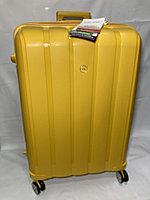 """Большой пластиковый дорожный чемодан на 4-х колесах""""FAST STEP"""". Высота 75 см, ширина 52 см, глубина 31 см., фото 1"""