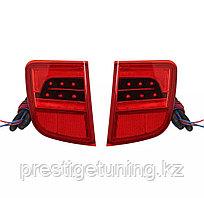 Задние диодные вставки в бампер на Land Cruiser 200 2008-15 стиль 2020 года