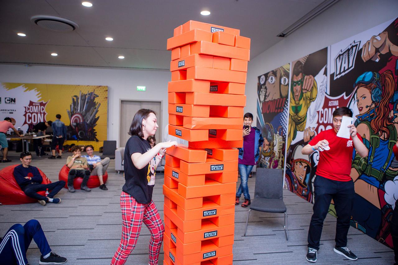 Аренда настольной игры Гигантской башни Дженга - фото 4