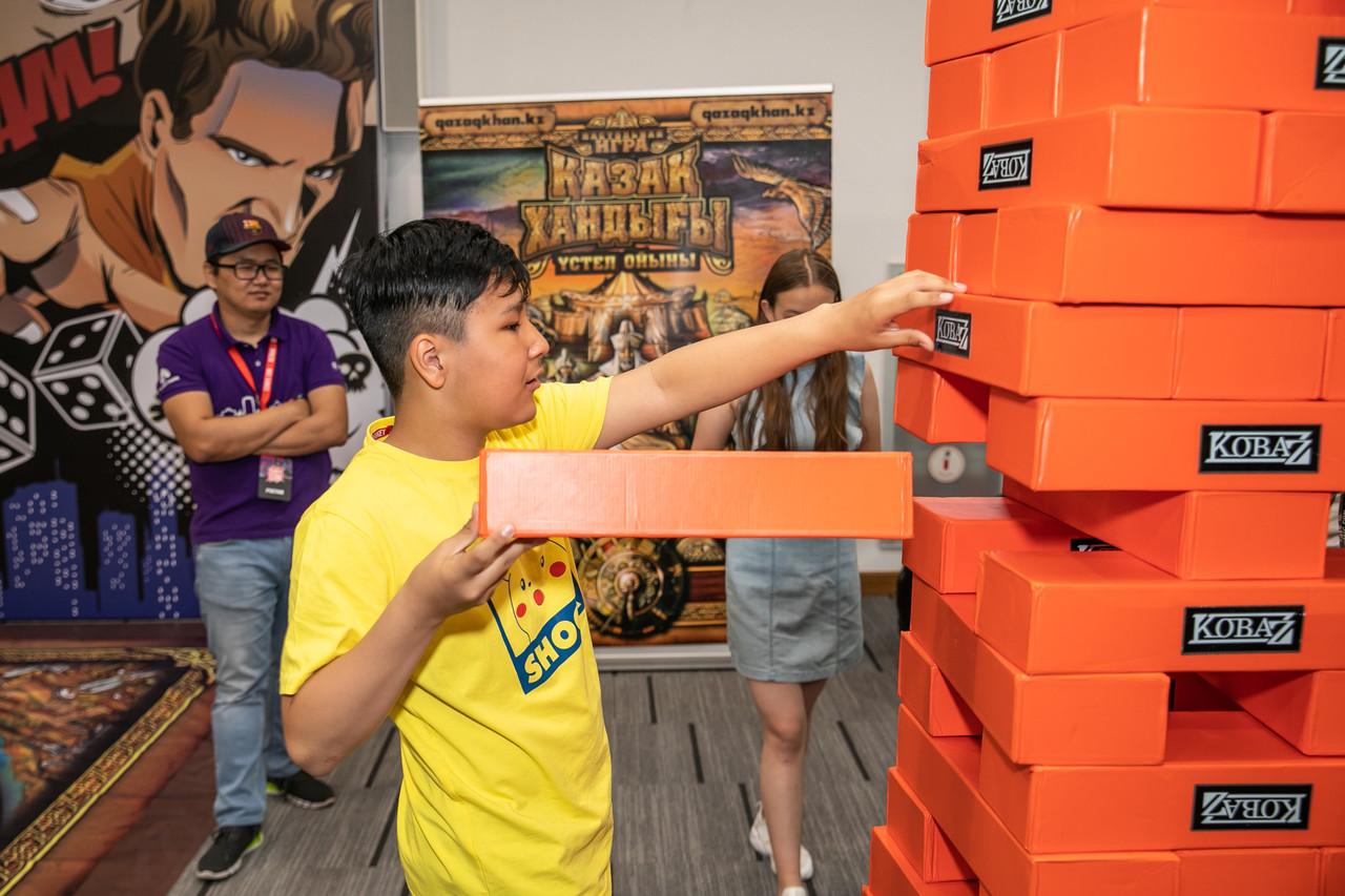 Аренда настольной игры Гигантской башни Дженга - фото 8
