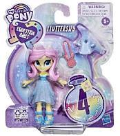 My Little Pony. Игровой набор Девочка из эквестрии с нарядами
