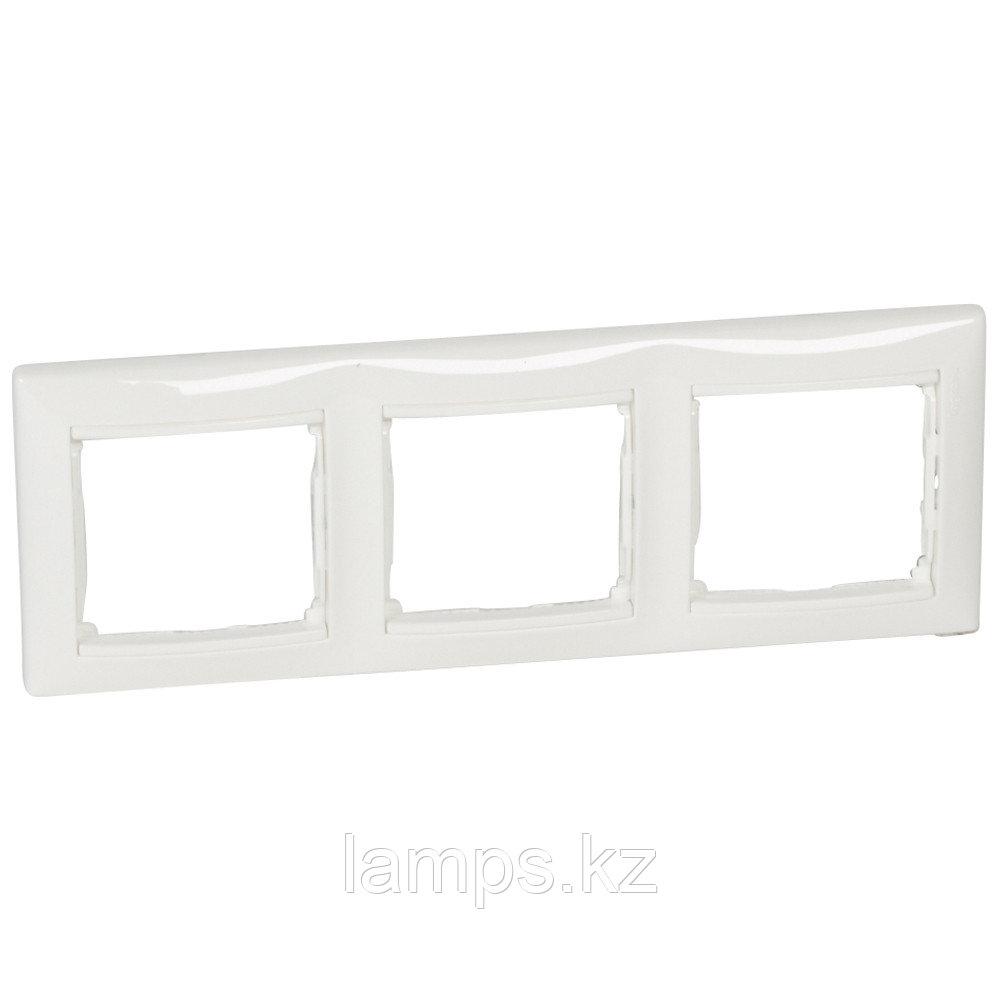 Рамка - Valena - 3 поста - горизонтальный монтаж - белый