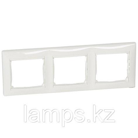 Рамка - Valena - 3 поста - горизонтальный монтаж - белый, фото 2