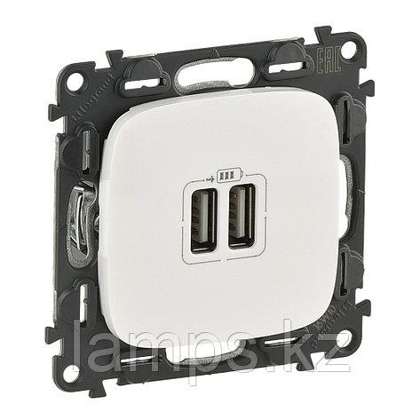 Зарядное устройство с двумя USB-разьемами 240В/5В 1500мА.С лицевой панелью.Белый, фото 2