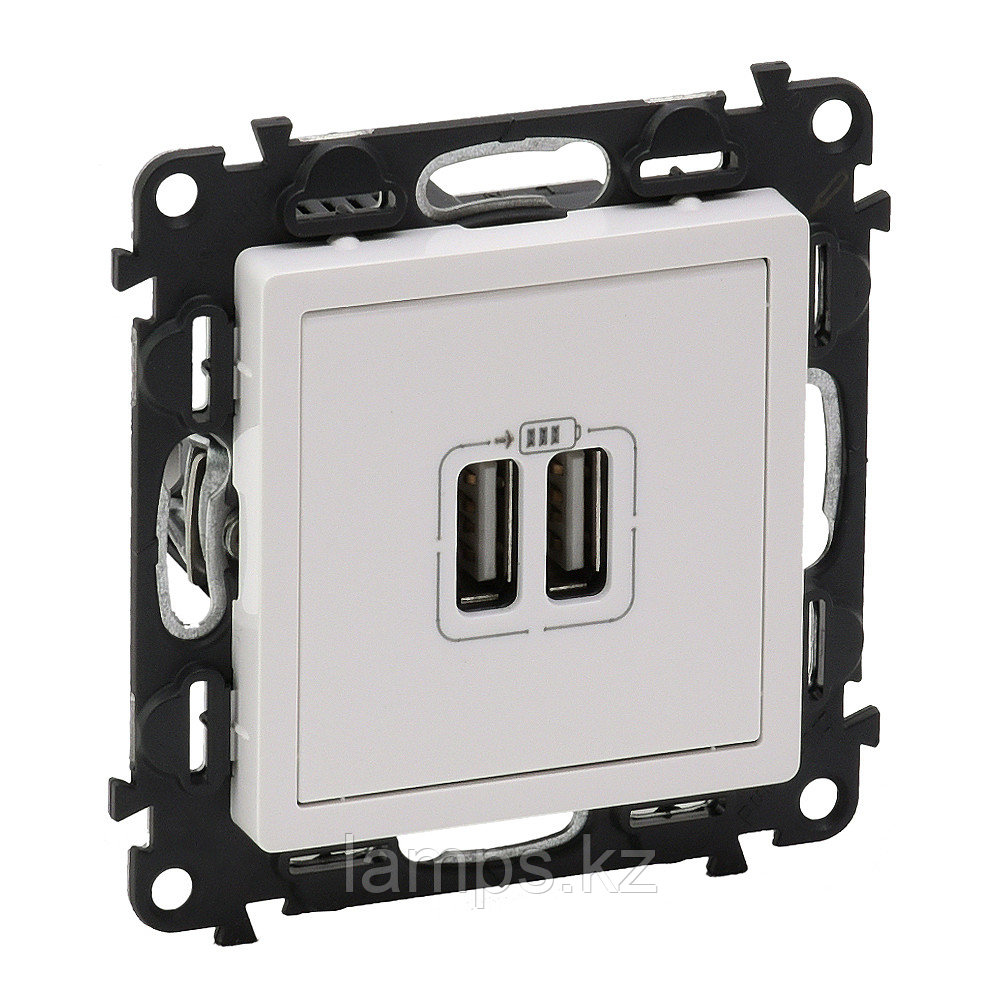 Зарядное устройство с двумя USB-разьемами 240В/5В 1500мА.С лицевой панелью.Белое