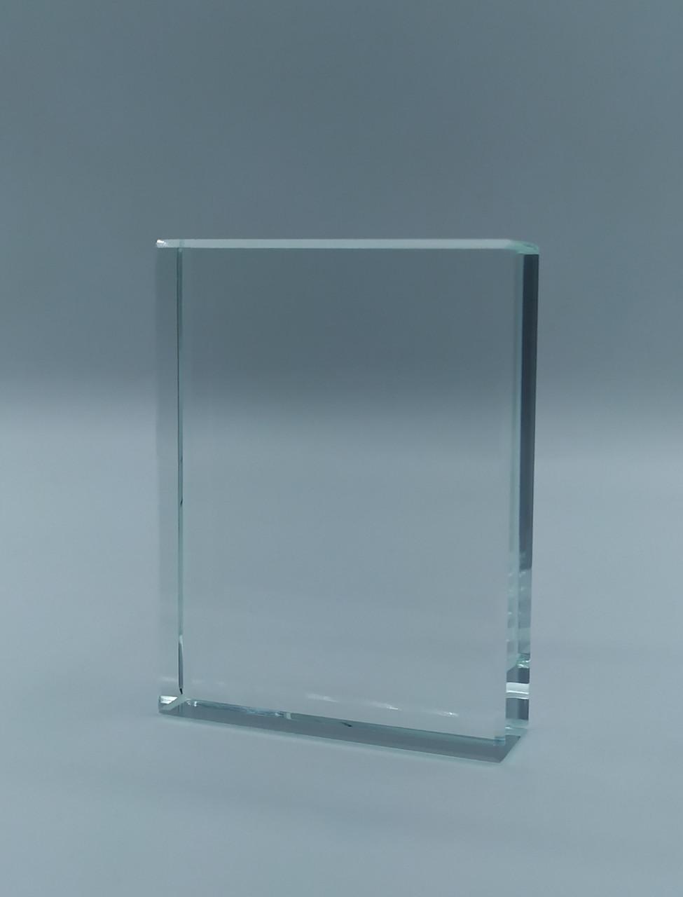 Награда из стекла, размер - 80*60*18 мм