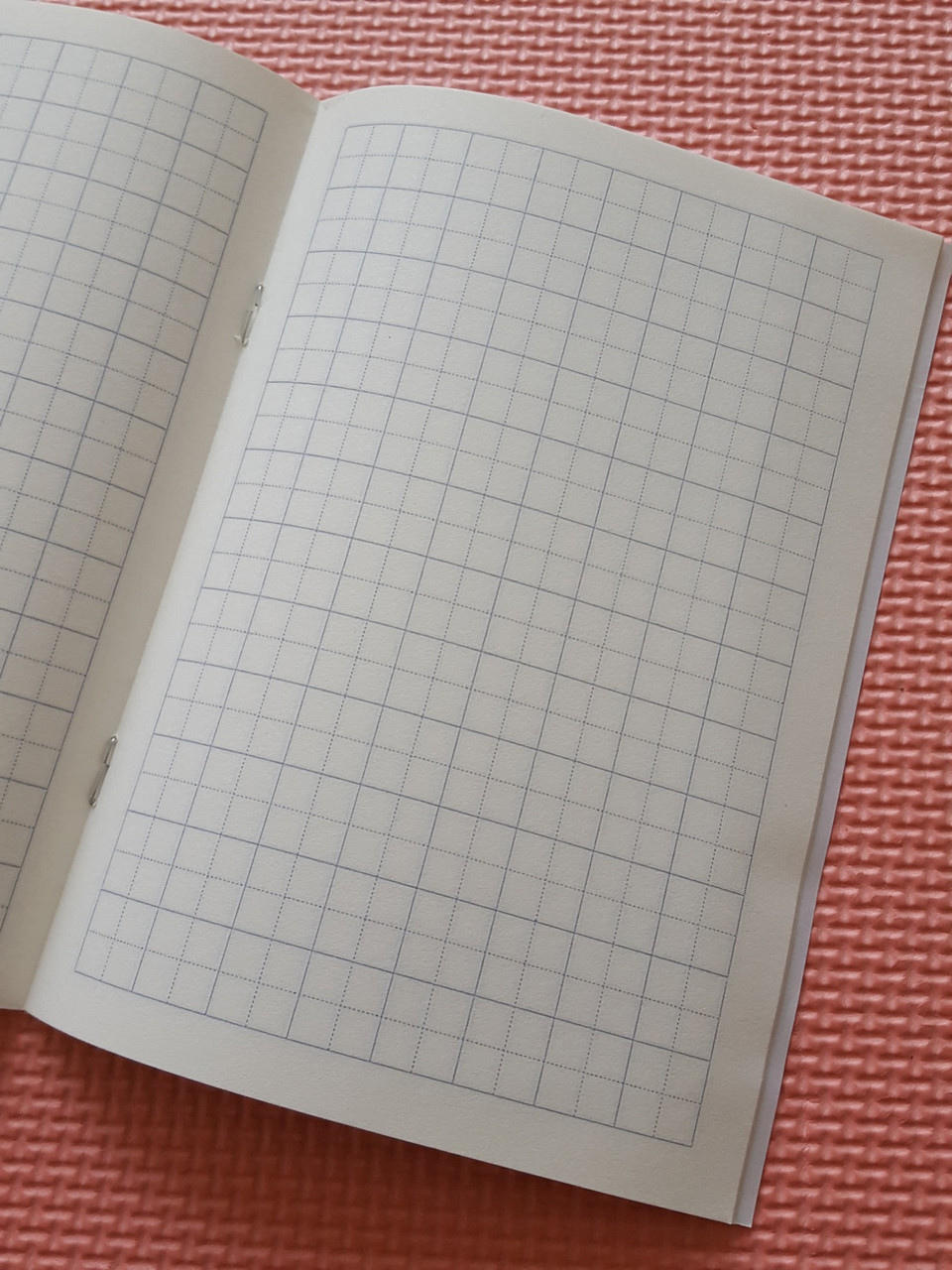 [Комплект 10 шт.] Тетрадь для записи иероглифов. Клетка 13 мм с пунктиром. 2688 клеток