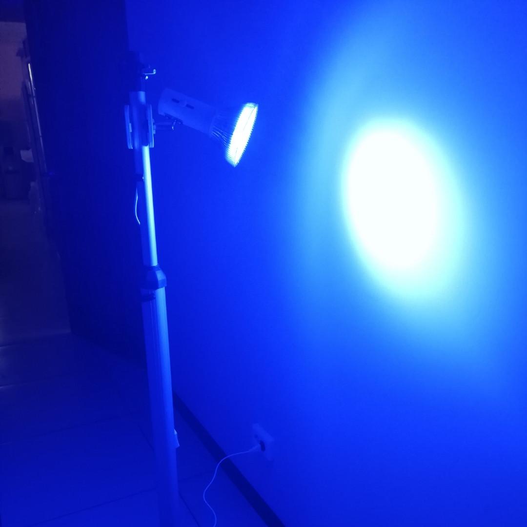 Лампа светодиодная для фототерапии со стойкой