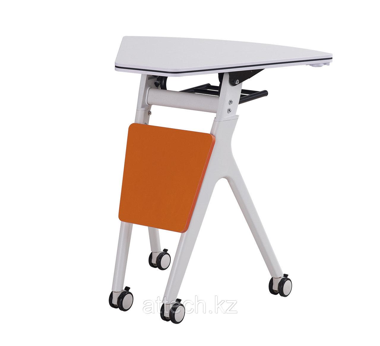 Складной столик в форме трапеции