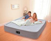 Двуспальная надувная кровать со встроенным насосом, Intex 67770