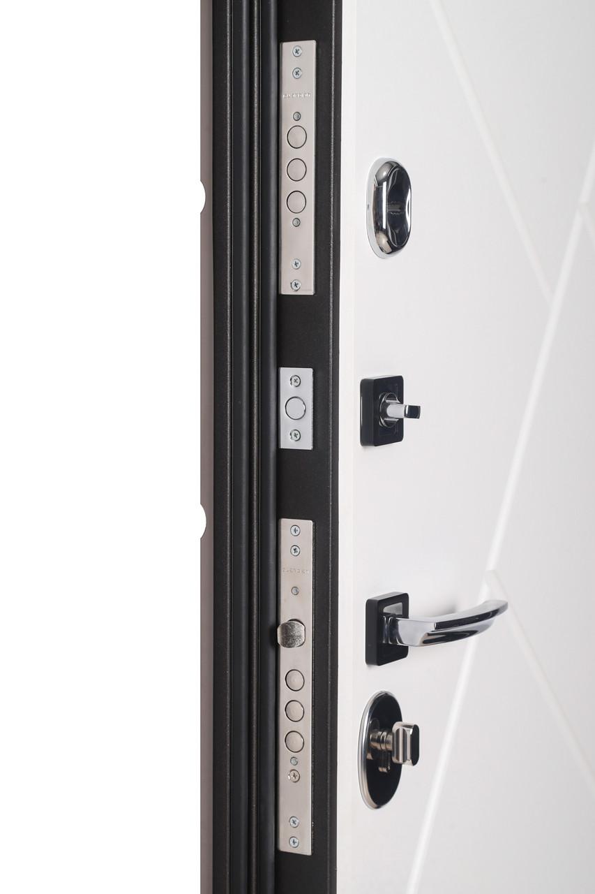 Дверь входная металлическая Flat Stout 17 Муар корич софт смоки/белая - фото 6