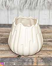 Ваза декоративная. Материал: Керамика. Цвет: Белый.