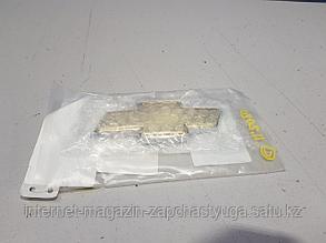 96547116 Эмблема крышки багажника для Chevrolet Aveo T200 2003-2008 Б/У