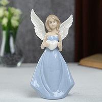 """Сувенир керамика """"Девушка-ангел с рисунком на крыльях в голубом платье с сердцем""""16,2х6х9см"""