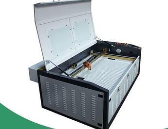 Лазерный станок 100*60cm M2 60W (МЕТАЛЛИЧЕСКИЕ НАПРАВЛЯЮЩИЕ)