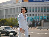 Классический льняной пиджак для невысоких девушек и женщин